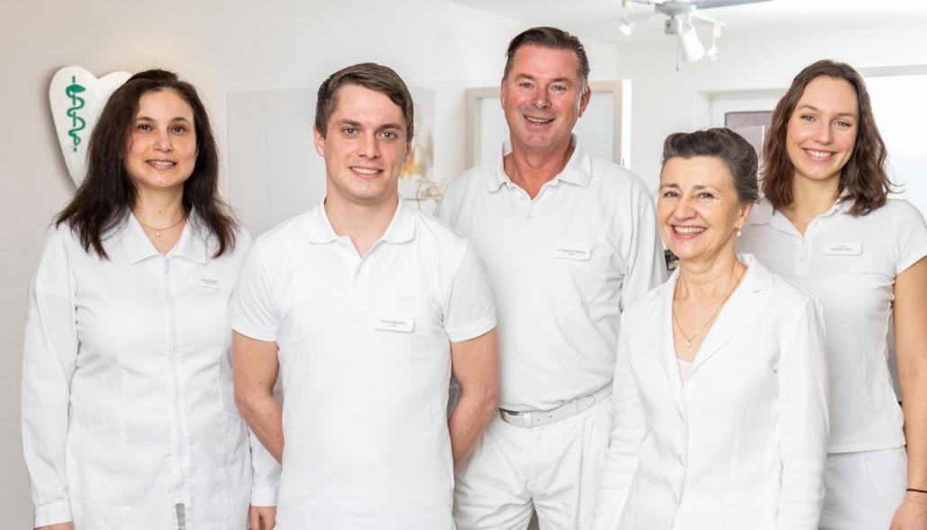 Ärzteteam Zahnarztpraxis Dr. Brüntjen und Kollegen